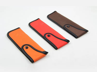 Folding glasses pouch with button F149