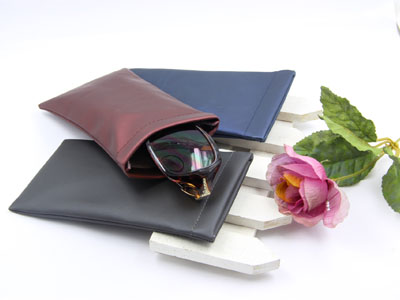 PVC sunglasses pouch with leaf spring D111