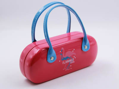 I99 Shining Child's sunglasses case with handle